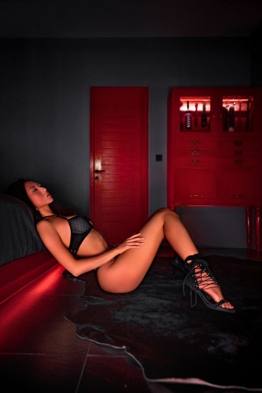 PinkHotels - The Daring Room